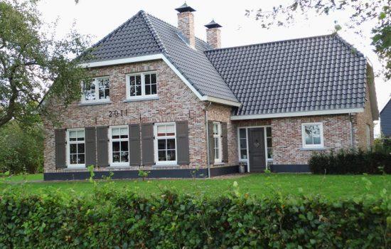 Bouwbedrijf-een-luxe-villa-laten-bouwen (3)