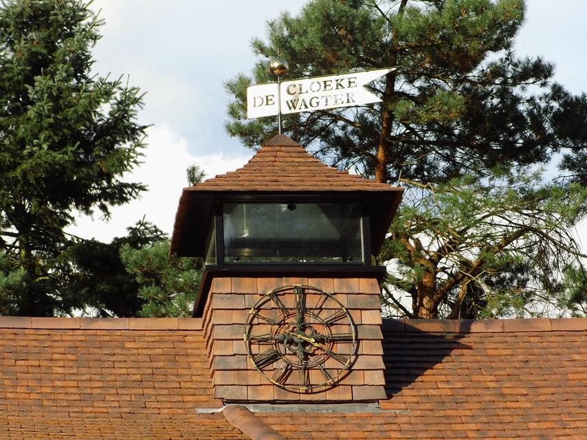 woning met dakleien en uitkijktoren gebouwd door aannemersbedrijf Wielink