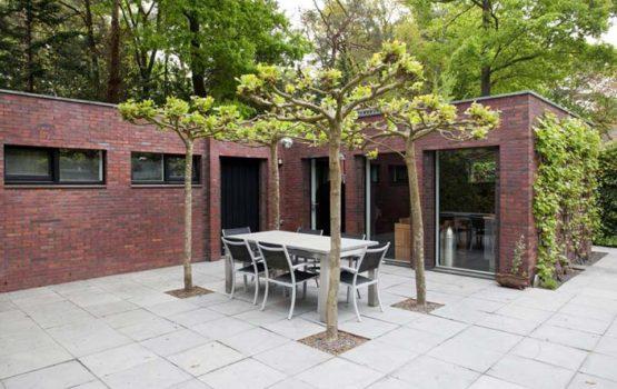 bijgebouw moderne villa laten bouwen door aannemersbedrijf wielink
