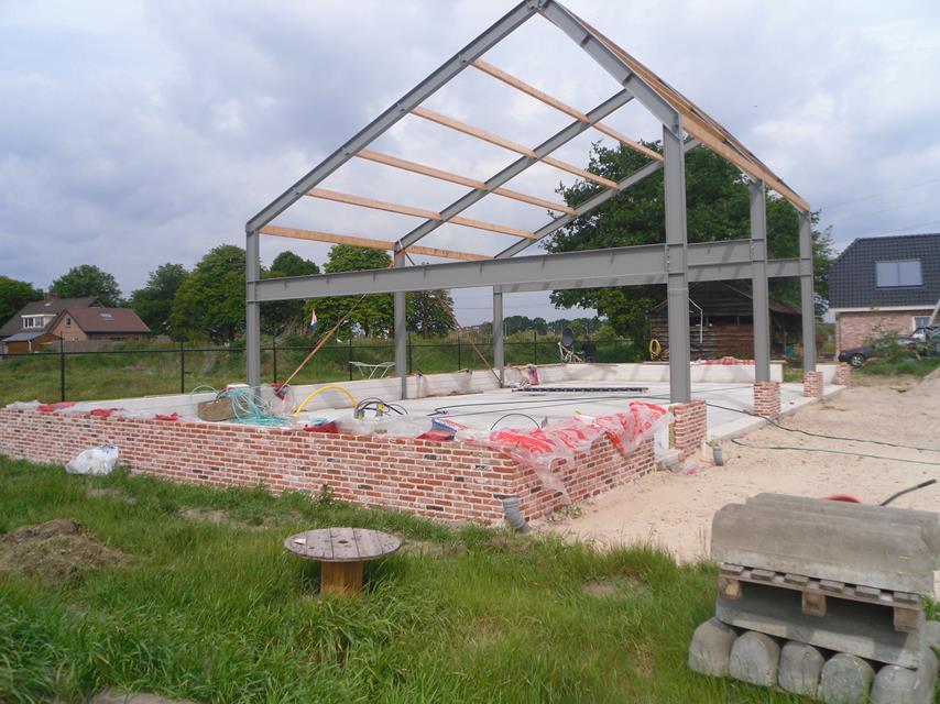 werktuigenberging of opslagloodsen laten bouwen door aannemersbedrijf Wielink