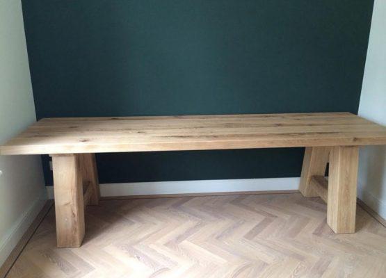 meubelen-eikenhouten-tafel-aannemersbedrijf-wielink