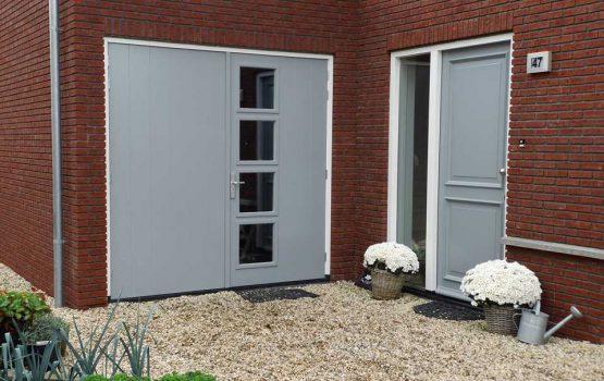 twee-onder-een-kap met garage grote deuren