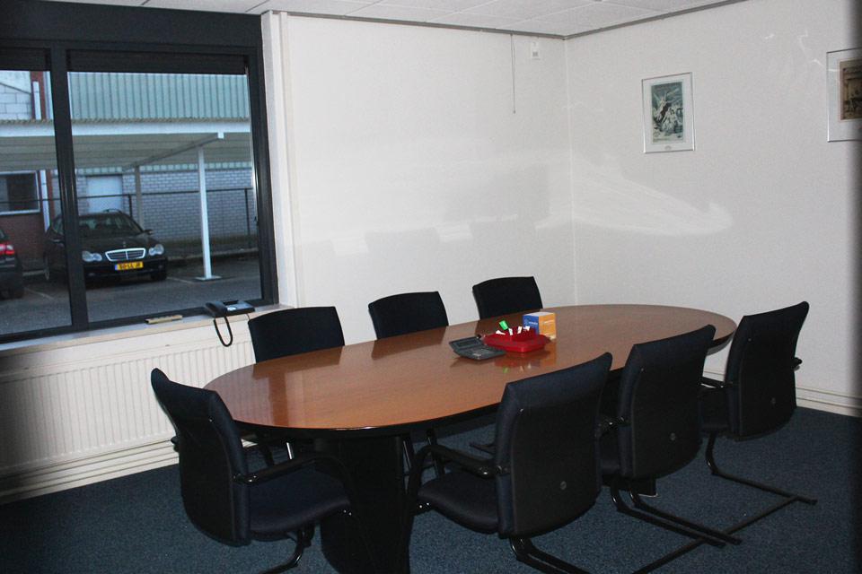 kantoor met kantine gebouwd door aannemersbedrijf Wielink
