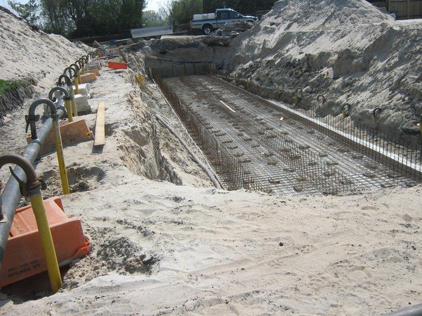 bouwen en storten van mestkelder door bouwbedrijf en aannemersbedrijf Wielink