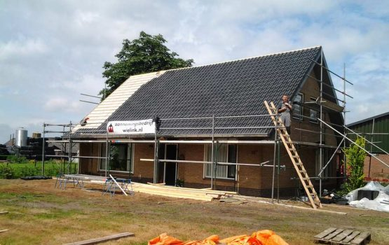 Vervangen van dak op woning - dakopbouw op huis