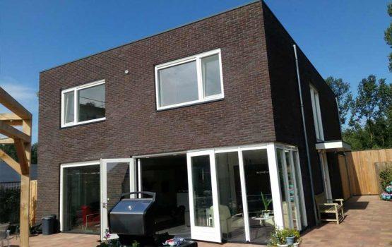 bouw-van-moderne-kubus-woning-in-almere-oosterwold