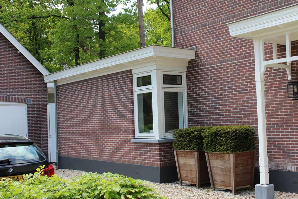 bouw-van-herenhuis-in-ermelo-door-aannemersbedrijf-wielink-uitbouw-keuken