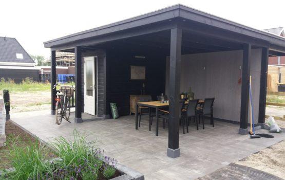 houten tuin overkapping douglas zwart met eiken modern