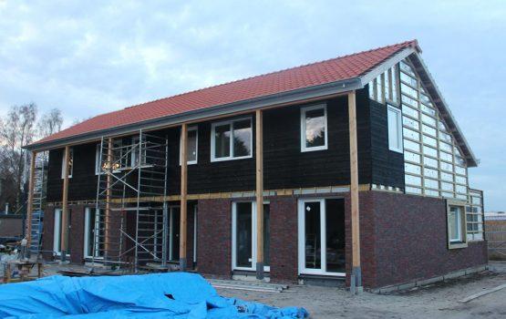 bouw van twee onder een kap woning in elburg - Aannemersbedrijf / Bouwbedrijf Wielink