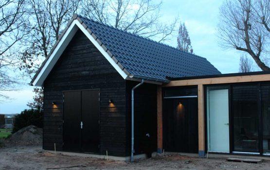 exclusieve houtbouw aannemersbedrijf Wielink - Geïsoleerde houtskeletbouw schuur