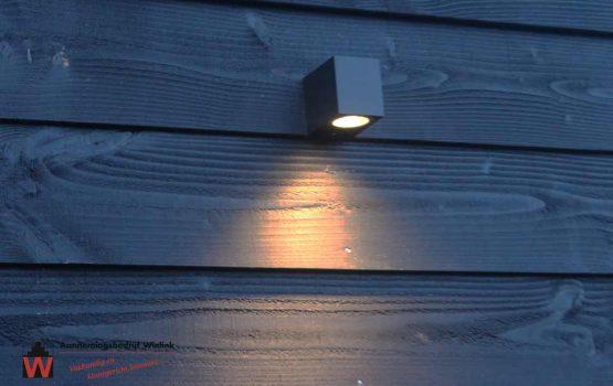 verlichting op geïsoleerde berging /schuur van houtskeletbouw - Exclusieve houtbouw aannemersbedrijf Wielink